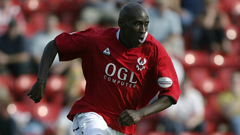Lloyd Dyer in action for Harriers against Lincoln City in 2003